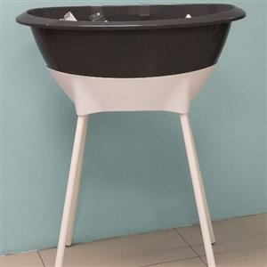 baby bath on stand