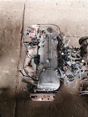Selling Toyota 22R engine