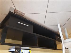 TV entaiment unit with drawers