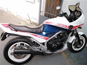1985 Honda VFR800F