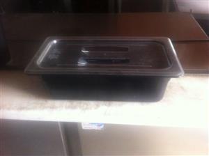Black polycarb food pans/inserts
