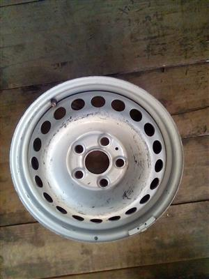 Amarok steel rims for a spare wheel