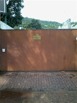 Bachelor flat with Own entrance to let in Moot Area. With Prepaid Electricity