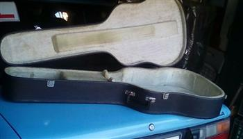 ACCOUSTIC GUITAR CASE FOR SALE
