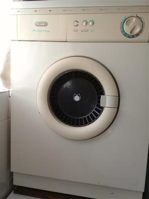 Defy tumble dryer for sale R800