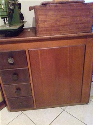 Vintage wooden cabinet with 4 drawers