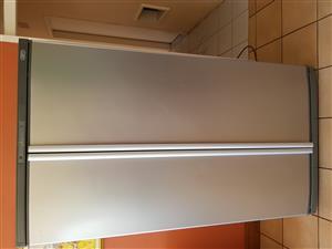 Defy double door fridge/freezer 622L