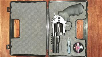 Air Rifle and Revolver Gamo gas
