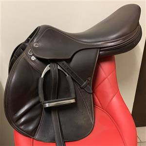 IMMACULENT PRESTIGE JUMPING SADDLE AND BRIDLE FOR SALE