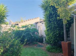 Stunning Modern Simplex in Waterkloof Villas