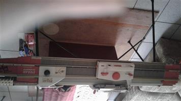 Passap pink knitting machine