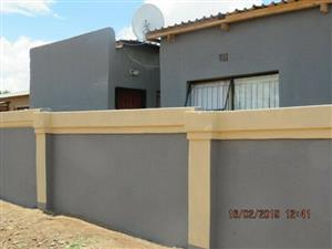 R1500 Modern Room with Toilet , shower, basin and sink to rent in Soshanguve Ext3. Prepaid electricity.