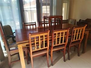 Eboya Dining Suite