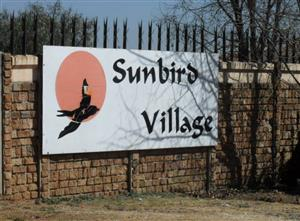 AVAILABLE 1ST DECEMBER! 2Bed, 1Bath Townhouse To Let In Sunbird Village, Elspark, Germiston!