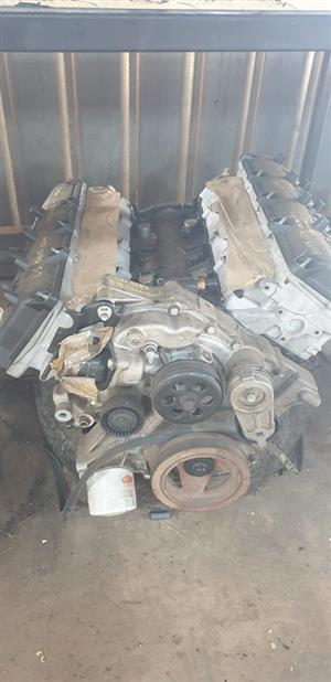 Jeep Grand Cherokee 5.7 Hemi engine for sale