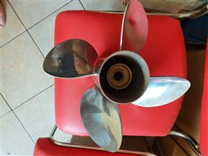 Solas 4 blade 25 Pitch stainless steel prop for sale