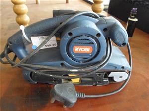 810W Ryobi EBS-810 Belt Sander