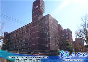Beautiful contemporary 3 Bedroom Apartment in Wonderboom South