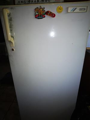 Defy single door fridge