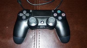 selling playstation 4 controller