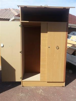 Light wooden 3 drawer closet