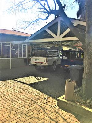 Spacious 4 brdroom house for sale in Parktown Estate, Pretoria Moot