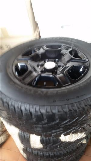 Ford Ranger Rims with brand new Continental Tyres 265/65/17, R9000