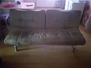 Sleeper couch te koop