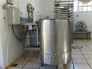 Oil jacketed stainless steel Pot...For Sale