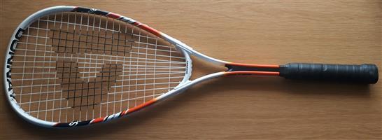 Squash racket (hardly used)