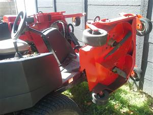 2 x JACOBSEN HR4600 TURBO 4WD   SIT-ON LAWNMOWERS
