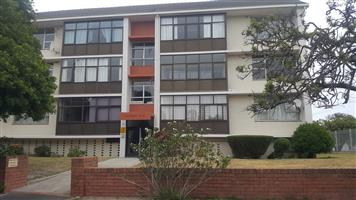 Lovely 2 bedroom apartment in Milnerton Central R 9000