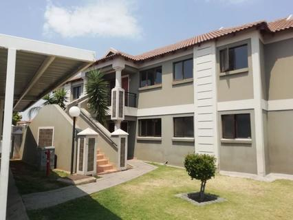 Townhouse Rental Monthly in Helderwyk Estate