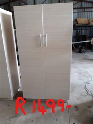 White 2 door closet