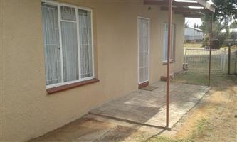Furnished Garden flat to rent in Valhalla