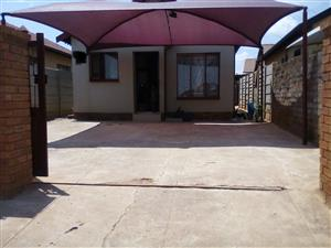 2 bedroom house for sale in Soshanguve VV
