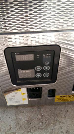 80l snomaster 12/220v fridge/freezer