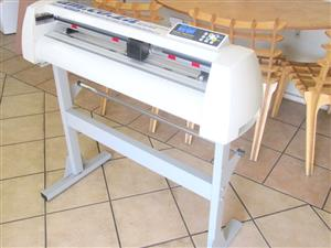 V-1123 V-Series High-Speed USB Vinyl Cutter, 1120mm Working Area, FlexiSIGN Software Vinyl