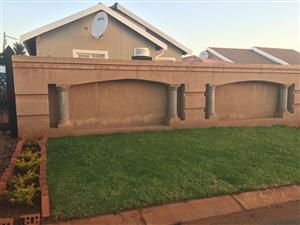 3 Bedroom House For Sale - Rosslyn
