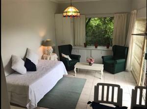 Bachelor Garden Flat to rent
