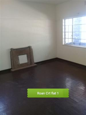 1 bedroom flat available to rent in Malvern/Jeppestown close to the shops & public transport..