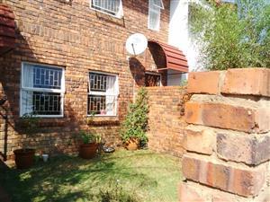 2 Bedroom Duplex for sale in Garsfontein