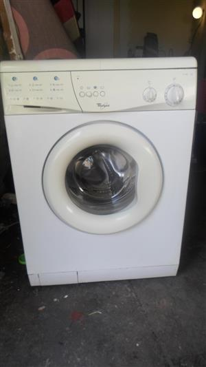 Whirlpool - Front Loader, Washing Machine