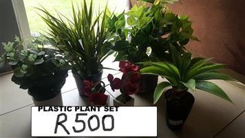 Plastic plant set