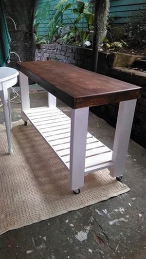 Handy table