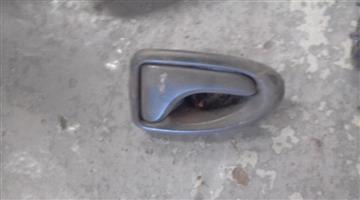 2003 renault scenic inner right door handle