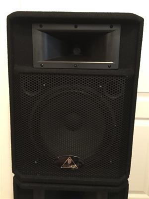 Behringer Eurolive P1220 (2 Speakers) R3300 NEG