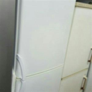 defy 370 litres fridge freezer combi