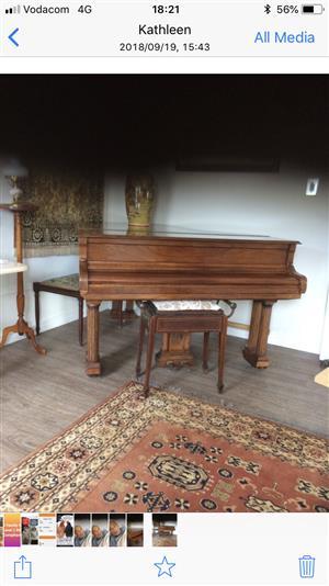 Bourjois piano