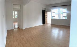 WELL LOOKED AFTER 150sqm FLAT IN OBSERVATORY EXT. JHB